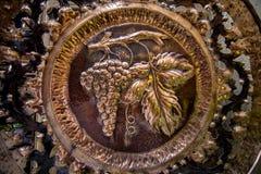 Παλαιά λαβή πορτών υπό μορφή σταφυλιών Στοκ Εικόνα