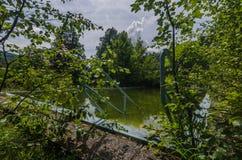 παλαιά λιωμένη πισίνα στοκ φωτογραφία με δικαίωμα ελεύθερης χρήσης