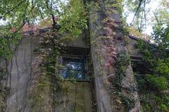 παλαιά μείωση σπιτιών στοκ φωτογραφία