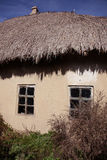 παλαιά μικρά Windows σπιτιών Στοκ φωτογραφία με δικαίωμα ελεύθερης χρήσης