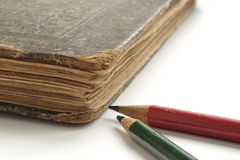 παλαιά μολύβια βιβλίων Στοκ Εικόνα
