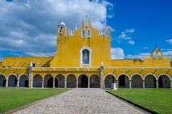 Παλαιά μονή καλογραιών του San Antonio στην πόλη Izamal, Yucatan Στοκ Εικόνα