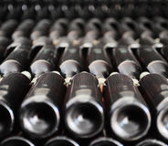 Παλαιά μπουκάλια του κόκκινου κρασιού Στοκ Φωτογραφία