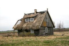 Παλαιά ξύλινη καλύβα στοκ εικόνα με δικαίωμα ελεύθερης χρήσης