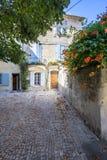 Παλαιά οδός σε Arles, Γαλλία Στοκ εικόνες με δικαίωμα ελεύθερης χρήσης
