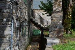 παλαιά πέτρα σκαλών σειράς της Ιταλίας Στοκ εικόνες με δικαίωμα ελεύθερης χρήσης