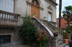 παλαιά πέτρα σκαλών σειράς της Ιταλίας Στοκ Εικόνα