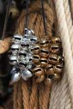 Παλαιά παραδοσιακά μικρά κουδούνια που χρησιμοποιούνται ως μουσικά όργανα Στοκ φωτογραφία με δικαίωμα ελεύθερης χρήσης