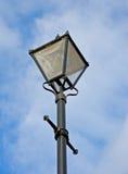 παλαιά πλαστή οδός λαμπτήρ&o Στοκ φωτογραφία με δικαίωμα ελεύθερης χρήσης