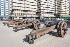 Παλαιά πυροβόλα όπλα στο οχυρό Al Hisn στη Σάρτζα, Ε.Α.Ε. Στοκ Εικόνες