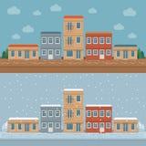 Παλαιά πόλης οδός με τις αναδρομικές προσόψεις οικοδόμησης, μπροστινή άποψη Χειμώνας Απεικόνιση αποθεμάτων