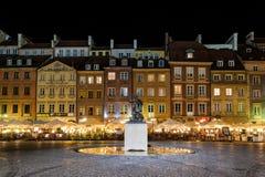 παλαιά πόλη Βαρσοβία νύχτας γοργόνων Στοκ φωτογραφίες με δικαίωμα ελεύθερης χρήσης