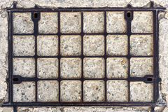 Παλαιά πόρτα κιγκλιδωμάτων μετάλλων Στοκ Εικόνες