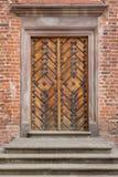 Παλαιά πόρτα στο φρούριο στοκ εικόνες