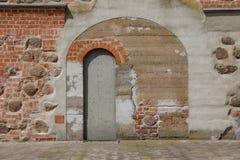 Παλαιά πόρτα στο φρούριο στοκ φωτογραφίες με δικαίωμα ελεύθερης χρήσης