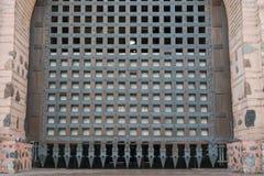 Παλαιά πύλη για να μπεί στην πόλη Στοκ εικόνες με δικαίωμα ελεύθερης χρήσης