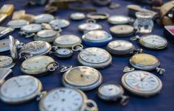 Παλαιά ρολόγια τσεπών παζαριών, Γαλλία στοκ φωτογραφία με δικαίωμα ελεύθερης χρήσης