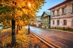 Παλαιά ρωσικά σπίτια σε Plios Στοκ εικόνες με δικαίωμα ελεύθερης χρήσης