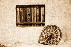 παλαιά ρόδα πιάτων ξύλινη Στοκ Εικόνες