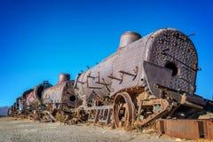 Παλαιά σκουριασμένη ατμομηχανή που εγκαταλείπεται στο νεκροταφείο τραίνων Uyuni Βολιβία στοκ φωτογραφία με δικαίωμα ελεύθερης χρήσης