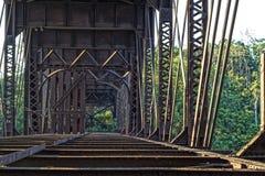 Παλαιά σκουριασμένη γέφυρα στοκ φωτογραφία με δικαίωμα ελεύθερης χρήσης