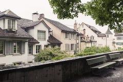 Παλαιά σπίτια διαβίωσης στη Ζυρίχη, Ελβετία Στοκ φωτογραφίες με δικαίωμα ελεύθερης χρήσης