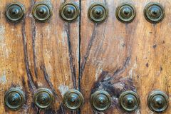Παλαιά σύσταση πορτών με τα καρφιά Στοκ Φωτογραφίες