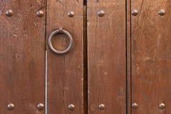 Παλαιά σύσταση πορτών με τα καρφιά Στοκ φωτογραφία με δικαίωμα ελεύθερης χρήσης
