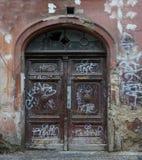 παλαιά σύσταση πορτών ξύλιν&eta Στοκ Φωτογραφίες