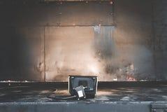 Παλαιά σύσταση σκουριάς σιδήρου χάλυβα μετάλλων στο επίκεντρο υποβάθρου και στούντιο Σύσταση επιφάνειας επικέντρων και μετάλλων Στοκ φωτογραφία με δικαίωμα ελεύθερης χρήσης