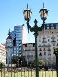Παλαιά φανάρια σε Plaza Lavalle μπροστά από το θέατρο άνω και κάτω τελειών του Μπουένος Άιρες Αργεντινή Στοκ Φωτογραφίες