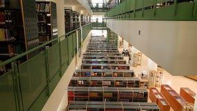 Παλαιά χρώματα εκπαίδευσης βιβλίων βιβλιοθήκης Στοκ Φωτογραφίες