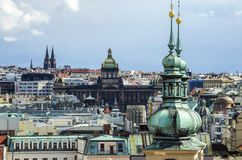 Παλαιές πλατεία της πόλης της Πράγας και εκκλησία της μητέρας του Θεού πριν από Tyn στην Πράγα, Δημοκρατία της Τσεχίας Στοκ φωτογραφίες με δικαίωμα ελεύθερης χρήσης