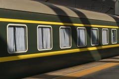 Παλαιές στάσεις τραίνων στο σταθμό στοκ φωτογραφία