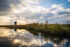 Παλαιοί ανεμόμυλοι σε Kinderdijk στην ανατολή, Ολλανδία, Κάτω Χώρες, ΕΕ Στοκ εικόνα με δικαίωμα ελεύθερης χρήσης