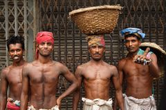παλαιοί εργαζόμενοι dhaka στοκ εικόνες