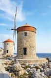 Παλαιοί μύλοι της Ρόδου στην Ελλάδα στοκ εικόνα