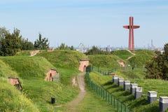 Παλαιοί οχυρώσεις και σταυρός χιλιετίας στο Γντανσκ Στοκ εικόνα με δικαίωμα ελεύθερης χρήσης