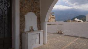 Παλαιοί πόρτα εκκλησιών της Ελλάδας, εικονίδιο και κάλυκας, Κρήτη απόθεμα βίντεο