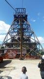 Παλαιός άξονας ορυχείων στη χρυσή πόλη σκοπέλων Στοκ φωτογραφίες με δικαίωμα ελεύθερης χρήσης