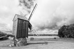 Παλαιός ανεμόμυλος στο κέντρο πολιτισμού κληρονομιάς Angla Ένας ανεμόμυλος ολλανδικός-ύφους Στοκ Εικόνα