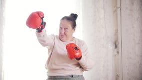 Παλαιός ανώτερος εγκιβωτισμός γυναικών πορτρέτου ο απόθεμα βίντεο