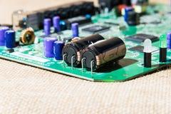 Παλαιός ηλεκτρονικός εξοπλισμός με το εκλεκτής ποιότητας ύφος χρήσιμο ως υπόβαθρο στοκ εικόνα με δικαίωμα ελεύθερης χρήσης