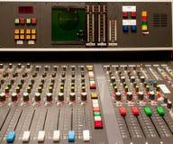 Παλαιός ηχητικός αναμίκτης στούντιο Στοκ Εικόνες