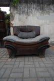παλαιός καναπές στοκ εικόνες με δικαίωμα ελεύθερης χρήσης