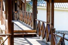 Παλαιός κλασικός ξύλινος διάδρομος Στοκ φωτογραφίες με δικαίωμα ελεύθερης χρήσης