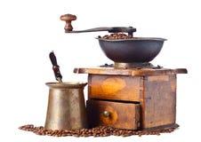 Παλαιός μύλος καφέ, κατασκευαστής καφέ και φασόλια καφέ Στοκ Εικόνες