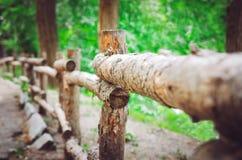 Παλαιός ξύλινος διακοσμητικός φράκτης στοκ φωτογραφία