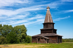 παλαιός ξύλινος εκκλησ&iot Στοκ εικόνες με δικαίωμα ελεύθερης χρήσης
