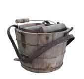 Παλαιός ξύλινος κάδος πλυσίματος που απομονώνεται. στοκ εικόνες με δικαίωμα ελεύθερης χρήσης